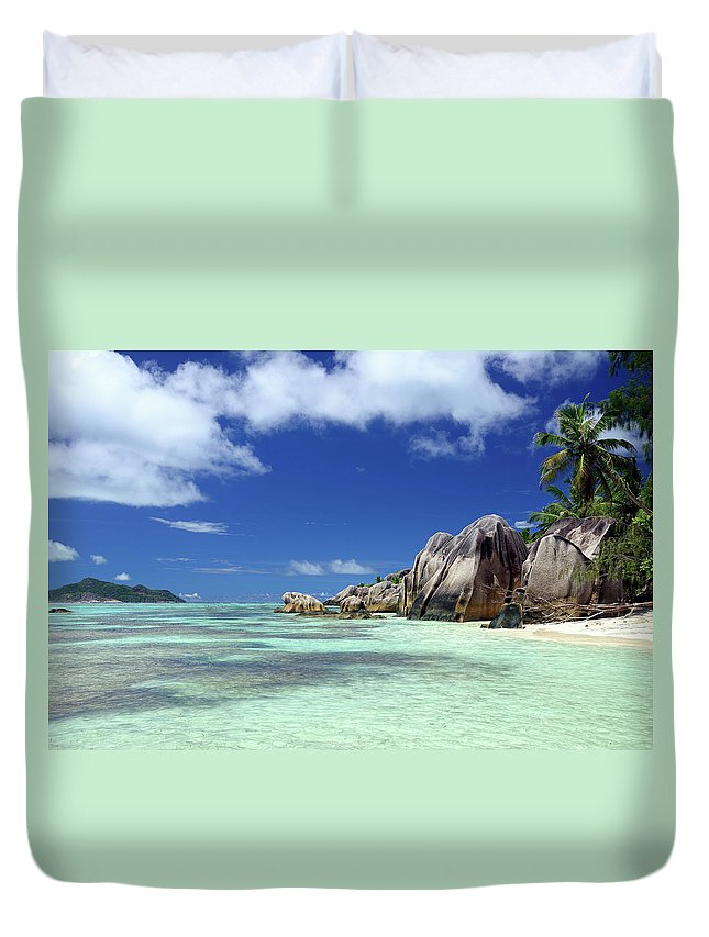 Tropical Tree Duvet Cover featuring the photograph Seychelles Seascape by Alxpin