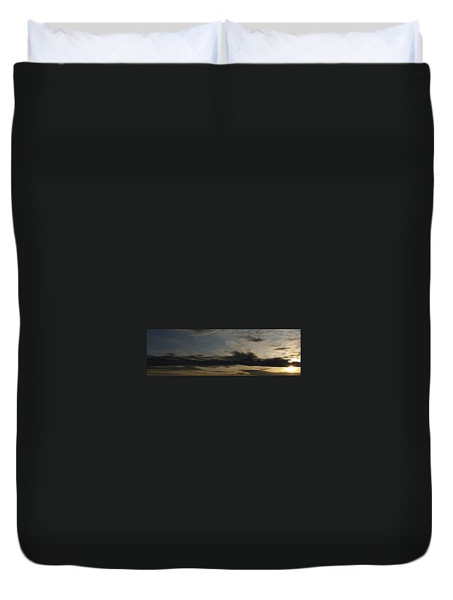 Sky Painting Duvet Cover featuring the photograph Sky Painting by Ed Smith