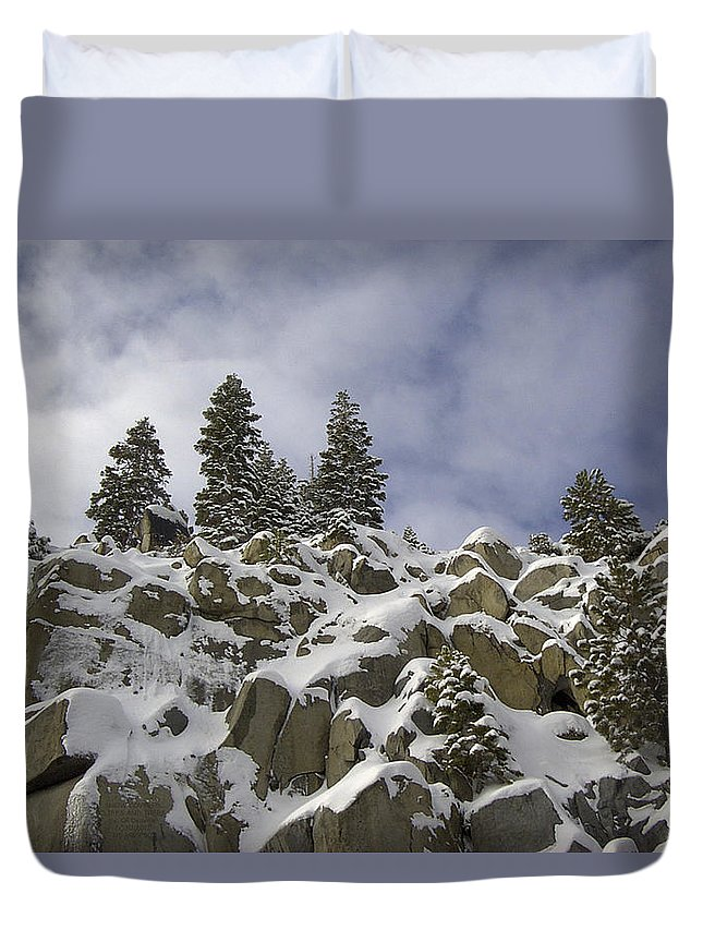 Nature Duvet Cover featuring the photograph Snow Covered Cliffs And Trees by Carl Deaville