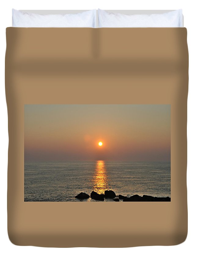 Sunrise Duvet Cover featuring the photograph Sunrise On The Ocean by Bill Cannon
