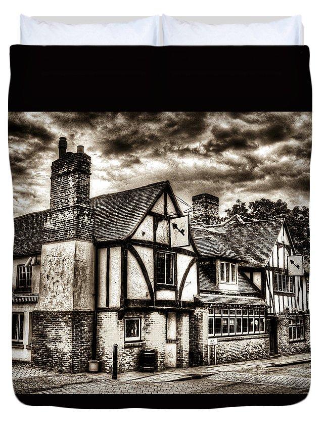 Pub Duvet Cover featuring the photograph The Cross Keys Pub Dagenham by David Pyatt