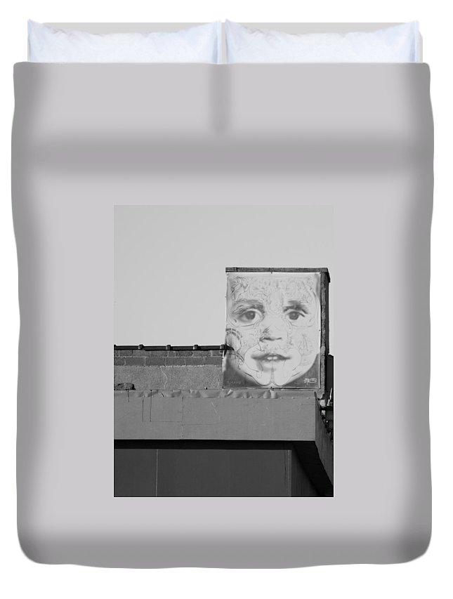 Brooklyn Duvet Cover featuring the photograph The Face In Black And White by Rob Hans