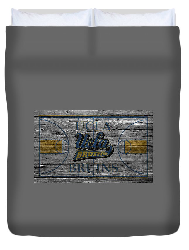 Bruins Duvet Cover featuring the photograph Ucla Bruins by Joe Hamilton