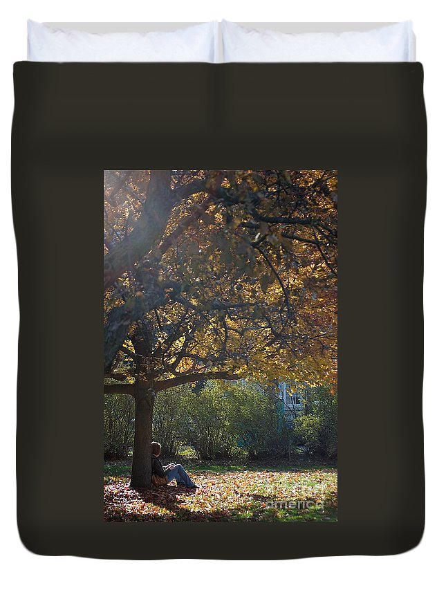 Fall Duvet Cover featuring the photograph Waiting by Joseph Yarbrough