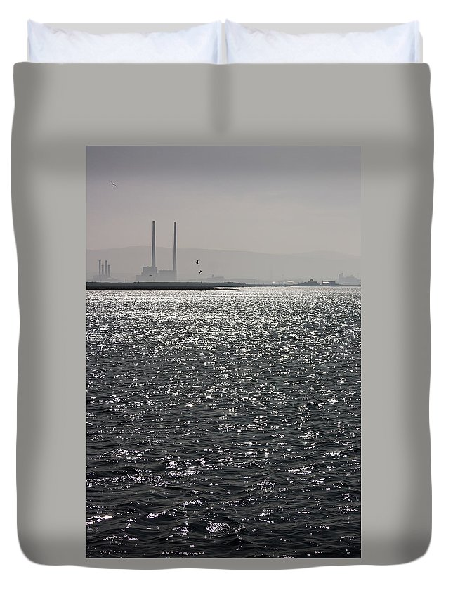 Dublin Duvet Cover featuring the photograph Water And Haze by Semmick Photo