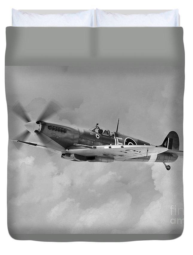Supermarine Spitfire En398 Duvet Cover featuring the digital art Wing Commander Johnnie Johnson by J Biggadike
