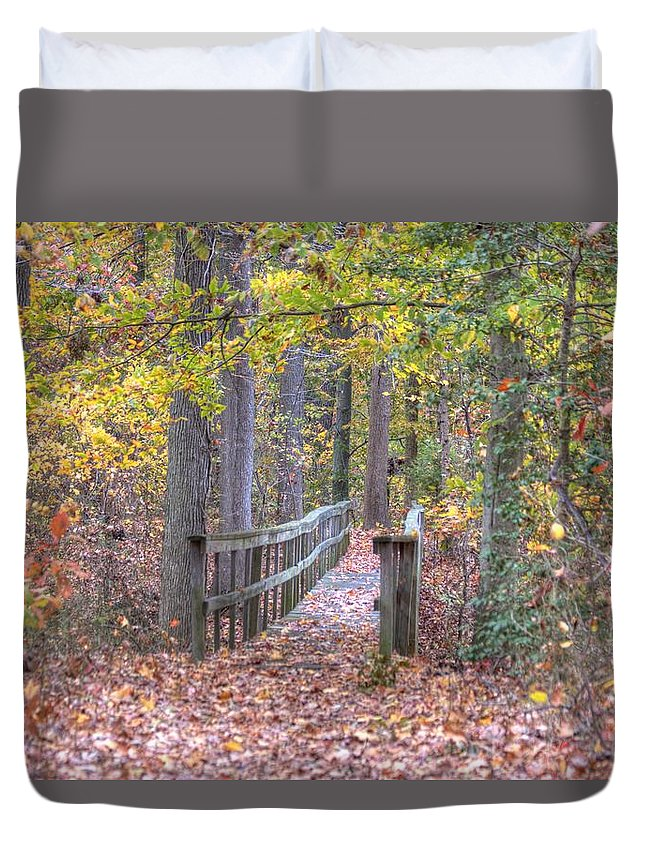 Trail Duvet Cover featuring the photograph Wye Island Trail by Mark Dignen