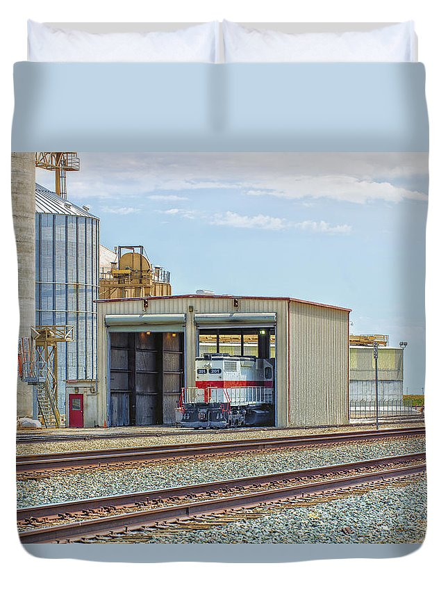 California Duvet Cover featuring the photograph Foster Farms Locomotives by Jim Thompson