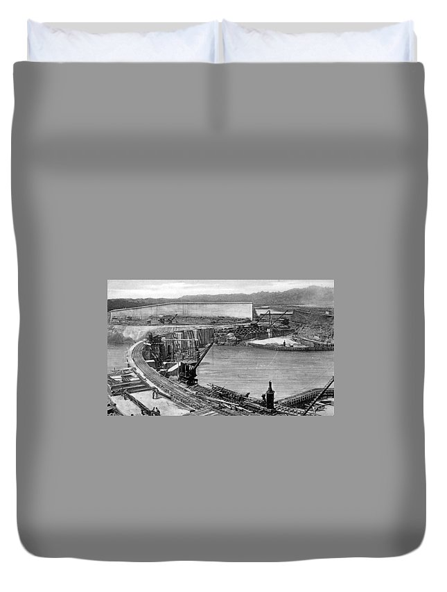 1910 Duvet Cover featuring the photograph Panama Canal, C1910 by Granger
