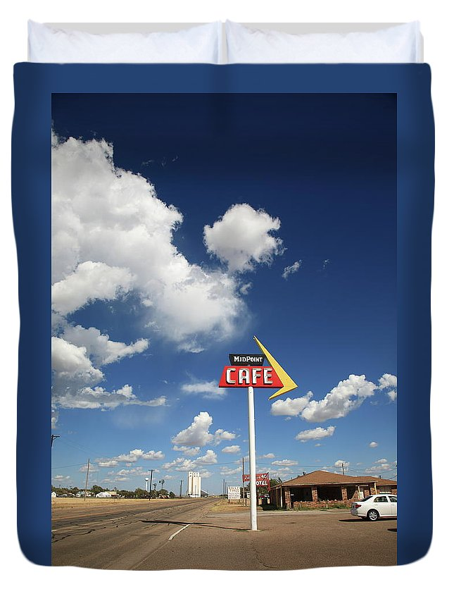 66 Duvet Cover featuring the photograph Route 66 Cafe by Frank Romeo