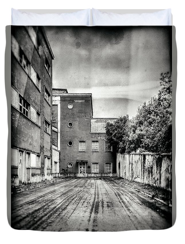 Abandoned Duvet Cover featuring the photograph Abandoned Sanatorium by Traven Milovich