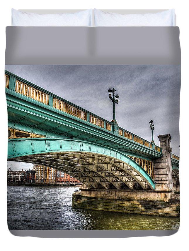 Southwark Duvet Cover featuring the photograph Southwark Bridge London by David Pyatt