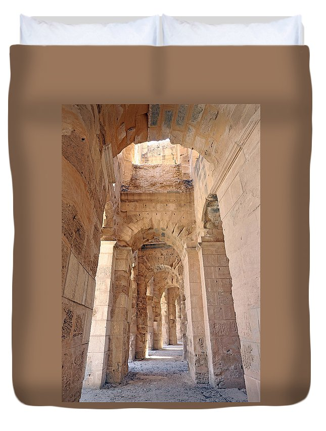 Colosseum Duvet Cover featuring the photograph Amphitheatre by Paul Fell