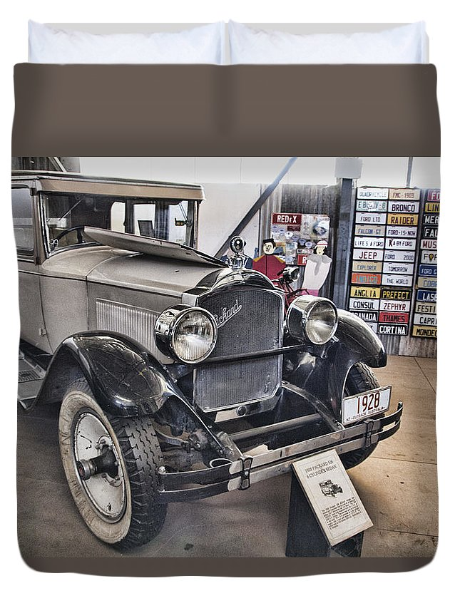 1928 Duvet Cover featuring the photograph 1928 Packard 526 Sedan by Douglas Barnard