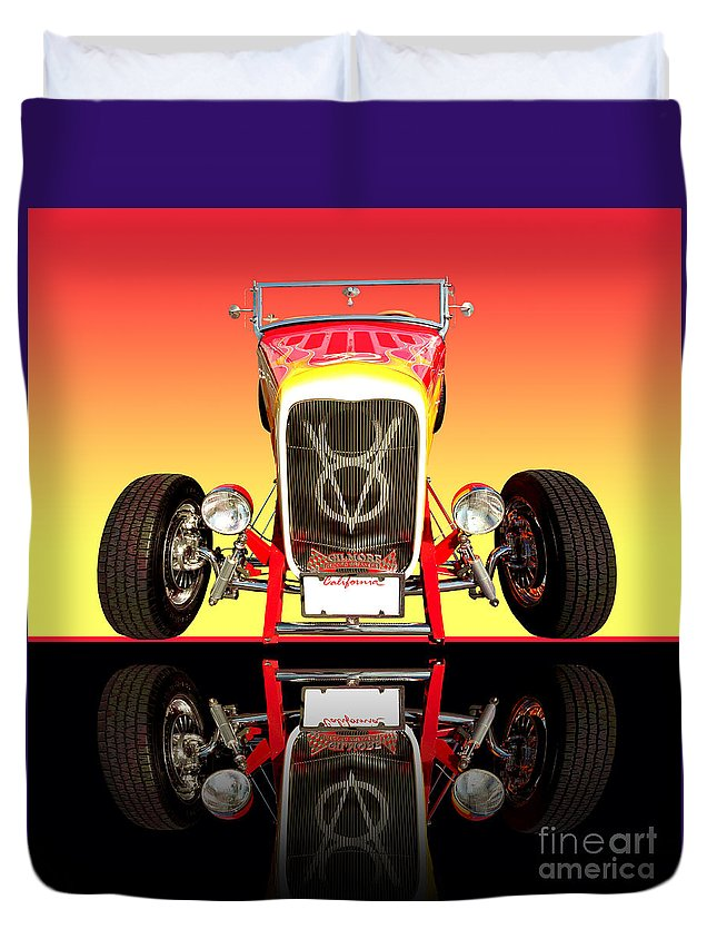 Car Photographs Duvet Cover featuring the photograph 1932 Front Ford V8 Hotrod by Jim Carrell