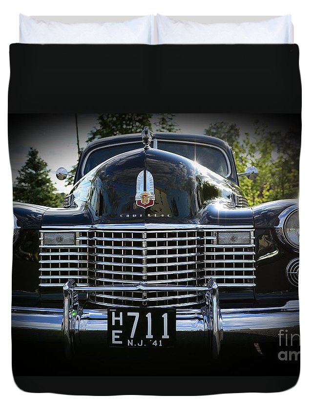 1941 Cadillac Duvet Cover featuring the photograph 1941 Cadillac Front End by Paul Ward
