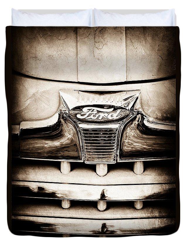 1947 Ford Deluxe Grille Grille Emblem Duvet Cover featuring the photograph 1947 Ford Deluxe Grille Grille Emblem by Jill Reger