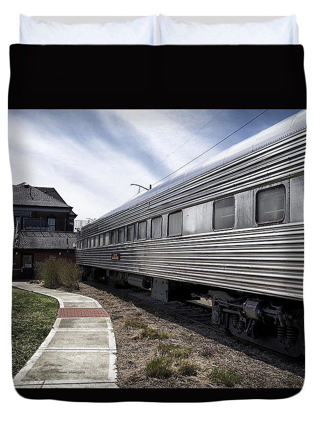 Railroad Duvet Cover featuring the photograph 1947 Pullman Railroad Coach Car by Thomas Woolworth