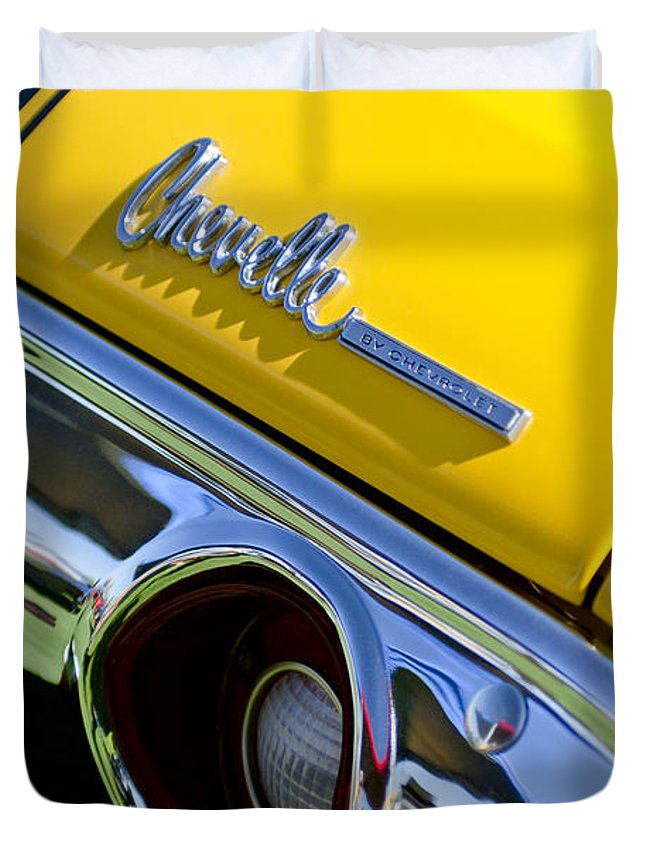 1972 Chevrolet Chevelle Duvet Cover featuring the photograph 1972 Chevrolet Chevelle Taillight Emblem by Jill Reger