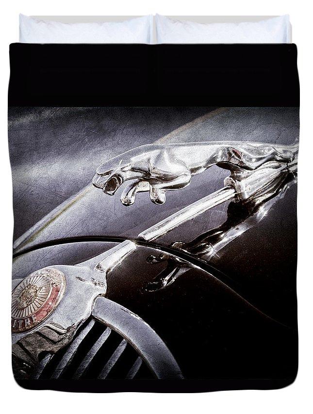 1964 Jaguar Mk2 Saloon Hood Ornament And Emblem Duvet Cover featuring the photograph 1964 Jaguar Mk2 Saloon Hood Ornament And Emblem by Jill Reger
