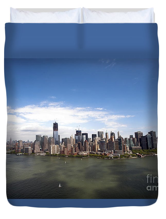 Aerial View Duvet Cover featuring the photograph 2-aerial View Of Manhattan by Nir Ben-Yosef