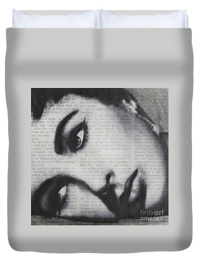 Elizabeth Taylor Duvet Cover featuring the drawing Art In The News 15-elizabeth by Michael Cross