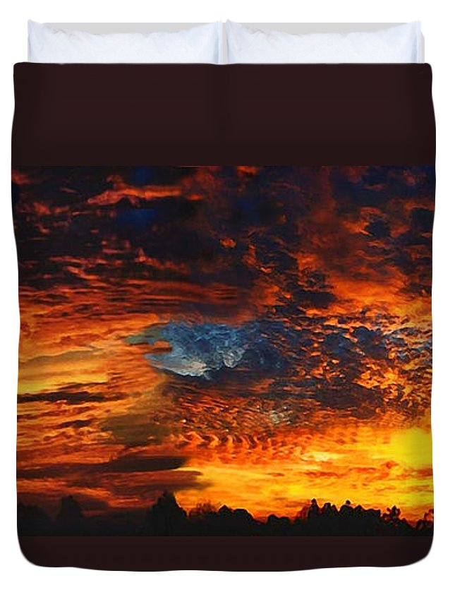 Awe Inspiring Sunset Duvet Cover featuring the painting Awe Inspiring Sunset by Ellen Henneke