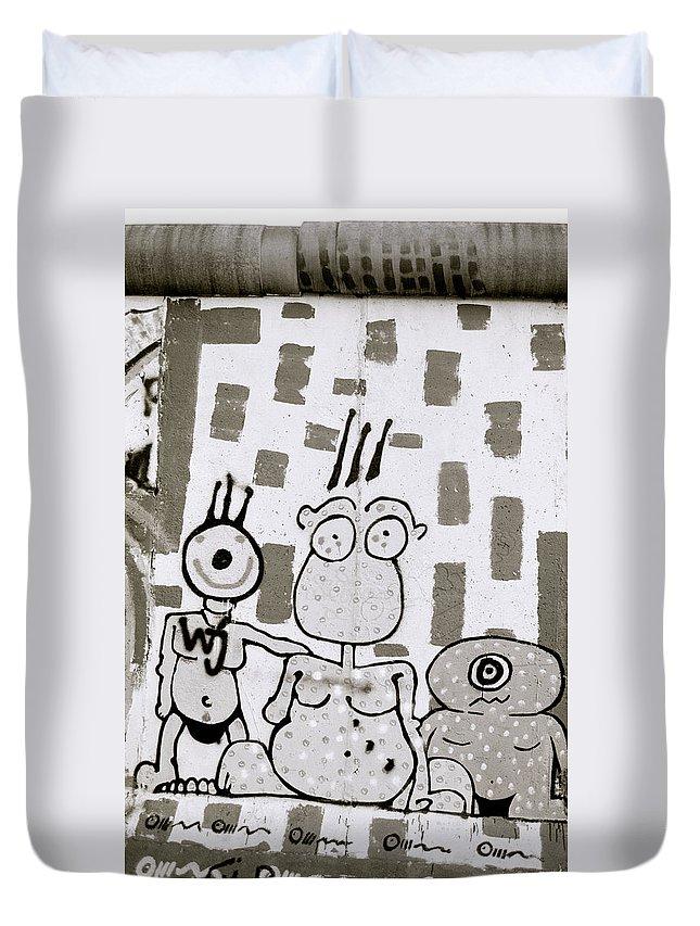 Berlin Wall Duvet Cover featuring the photograph Berlin Wall Avatars by Shaun Higson