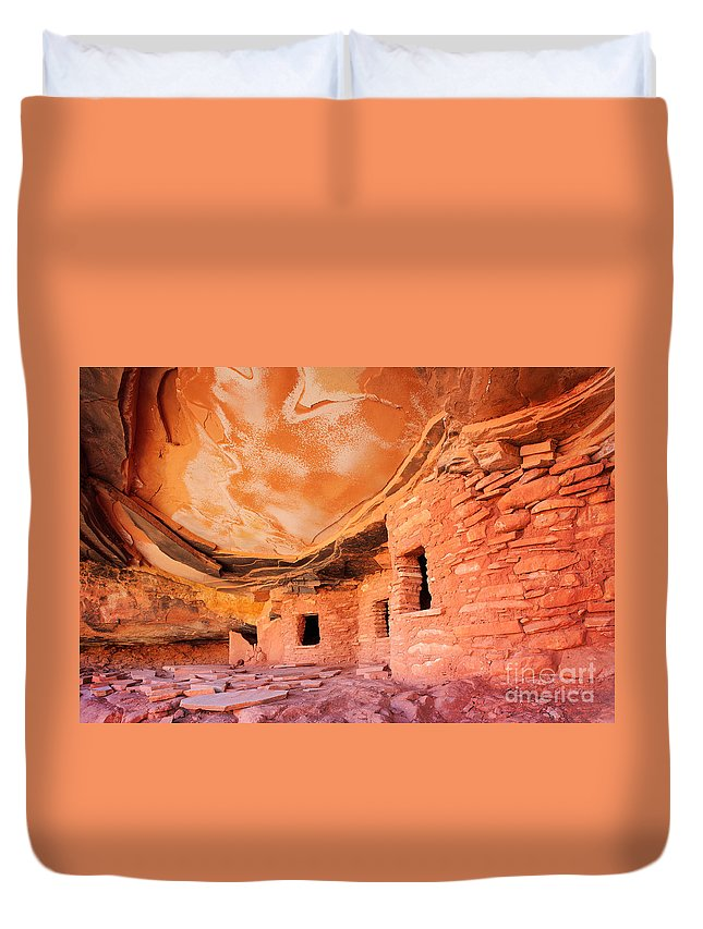 America Duvet Cover featuring the photograph Canyon Ruins by Inge Johnsson