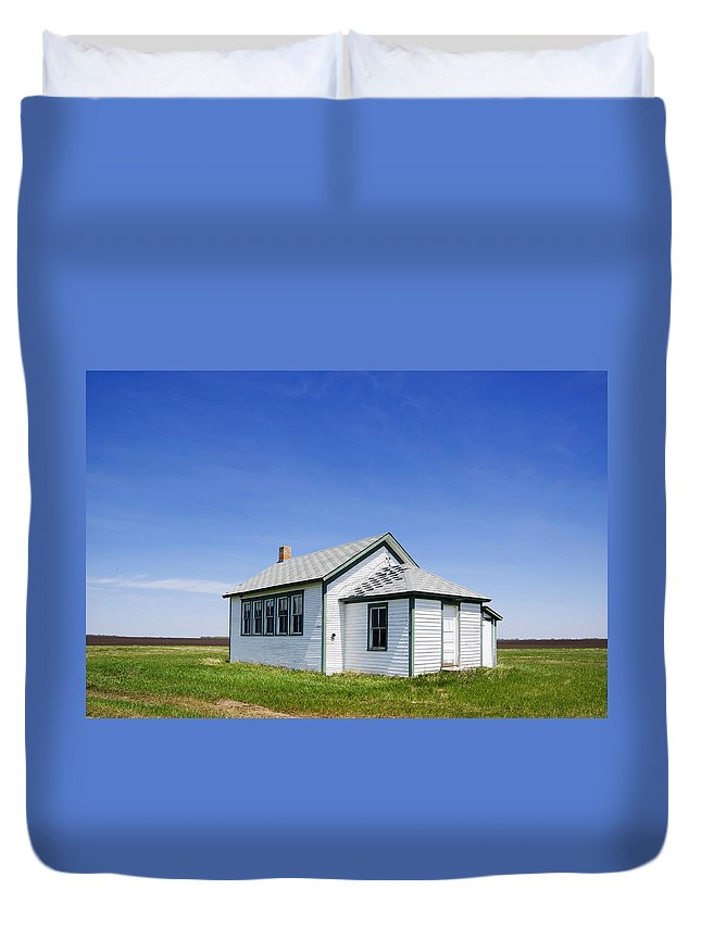 North Dakota Duvet Cover featuring the photograph Defunct One Room Country School Building by Donald Erickson