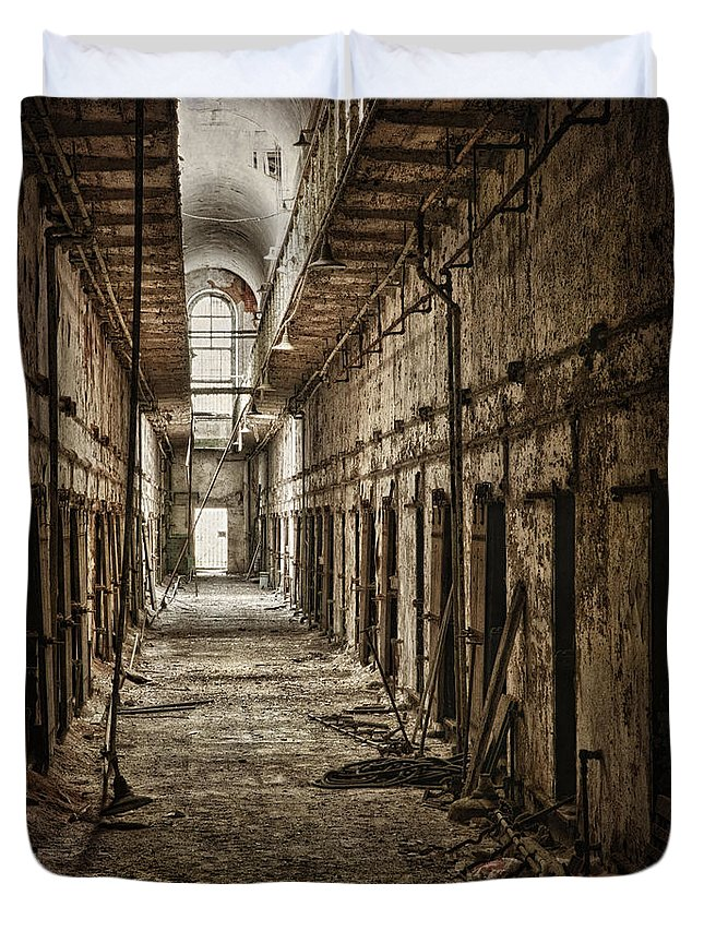 Penitentiary Duvet Cover featuring the photograph Forgotten by Claudia Kuhn