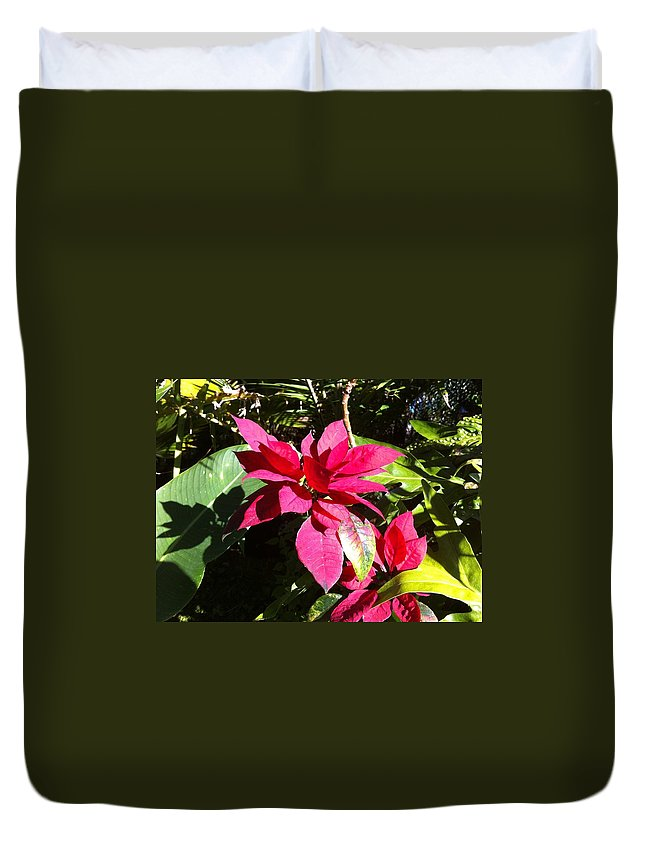 Hawaiiana Duvet Cover featuring the photograph Hawaiiana 5 by D Preble