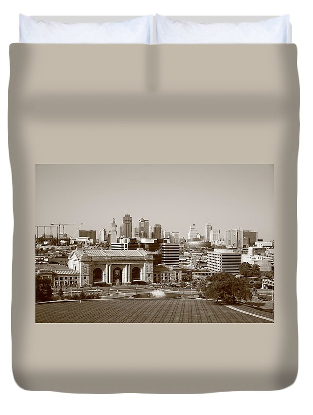 America Duvet Cover featuring the photograph Kansas City by Frank Romeo