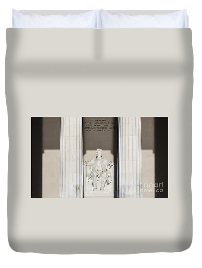 Lincoln Duvet Cover featuring the photograph Lincoln Memorial by B Christopher