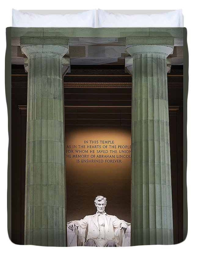 Abe Lincoln Duvet Cover featuring the photograph Lincoln Memorial by John Greim