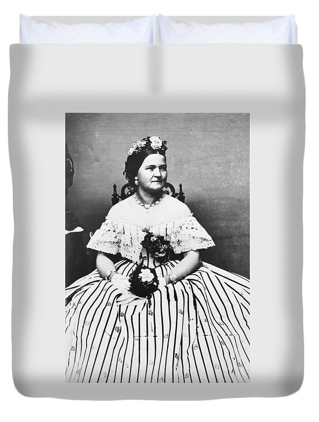1861 Duvet Cover featuring the photograph Mary Todd Lincoln (1818-1882) by Granger