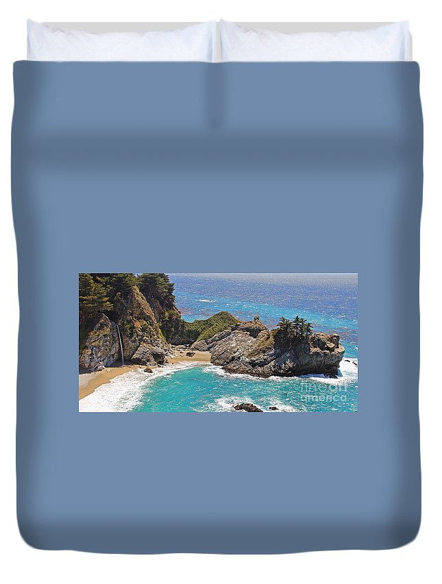 Mcway Falls Duvet Cover featuring the photograph Mcway Falls by Jack Schultz