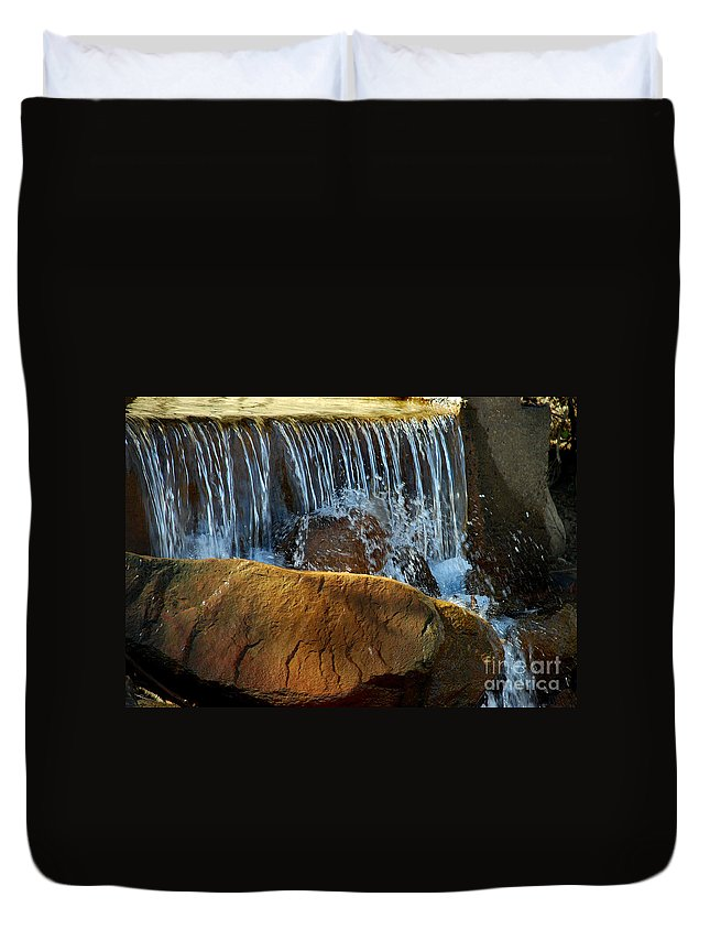Scenic Tours Duvet Cover featuring the photograph Mini Falls by Skip Willits