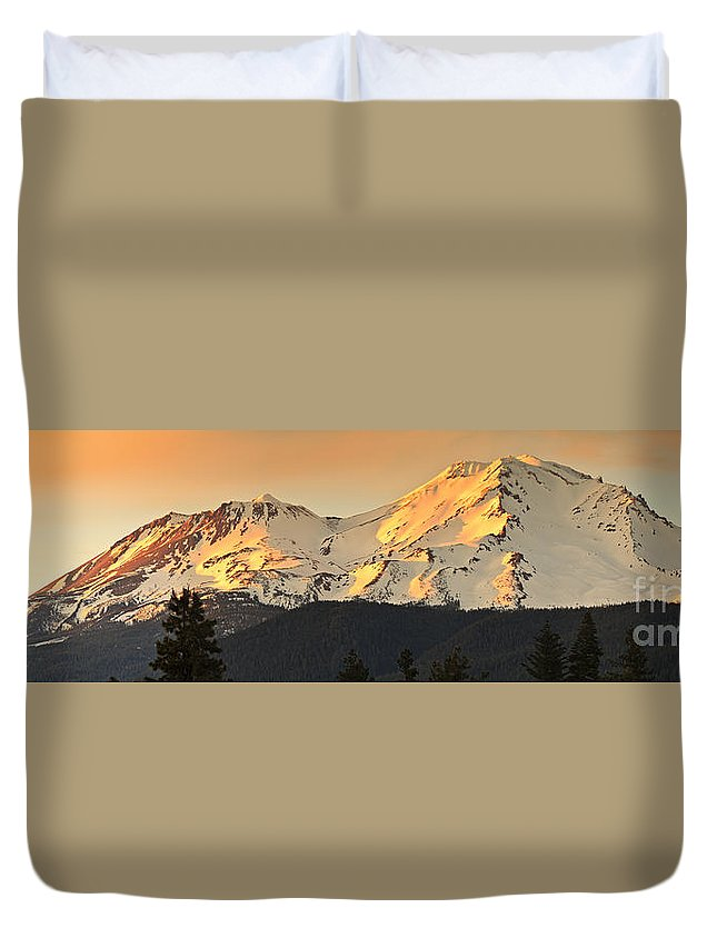 Sunset Duvet Cover featuring the photograph Mt. Shasta Sunset Panorama by Ken Brown