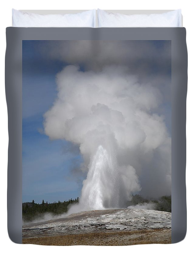 America Duvet Cover featuring the photograph Old Faithful - Yellowstone Park by Frank Romeo
