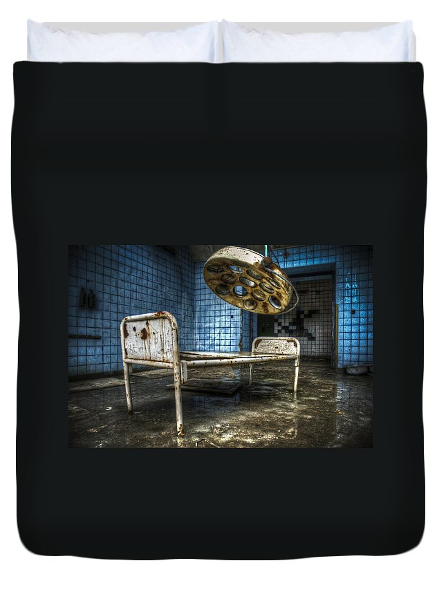Beelitz Duvet Cover featuring the digital art Operation Time by Nathan Wright