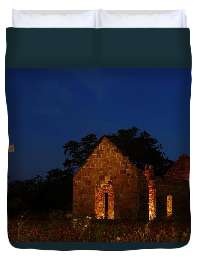 Pontotoc Duvet Cover featuring the photograph Pontotoc Ruins 2am-110605 by Andrew McInnes