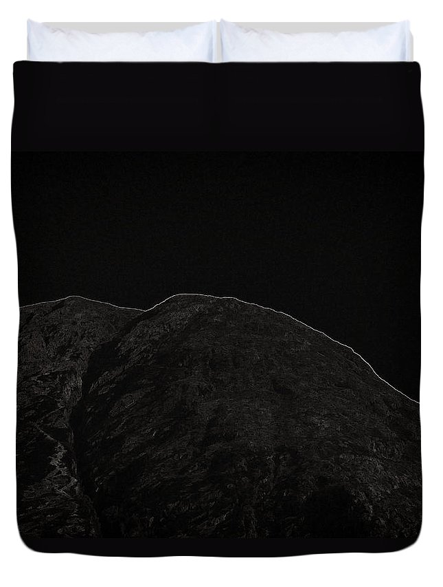 Blue Sky Duvet Cover featuring the photograph Rocky Hill In The Scottish Highlands by Ashish Agarwal