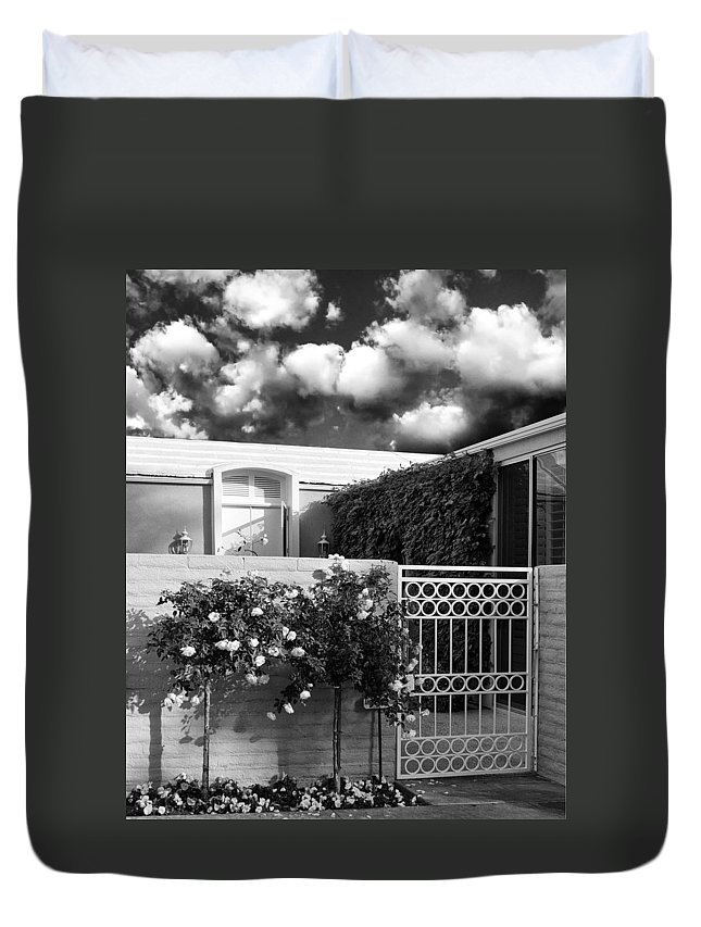 Marrakesh Country Club Duvet Cover featuring the photograph Roses Of Marrakesh Palm Springs by William Dey