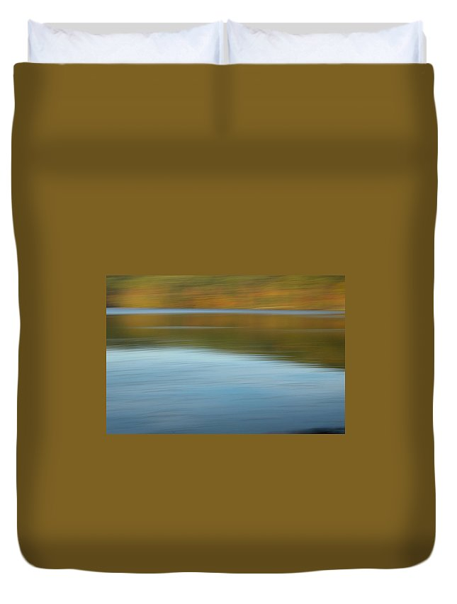 Lakes Duvet Cover featuring the photograph Speed Across The Lake by Randy Pollard