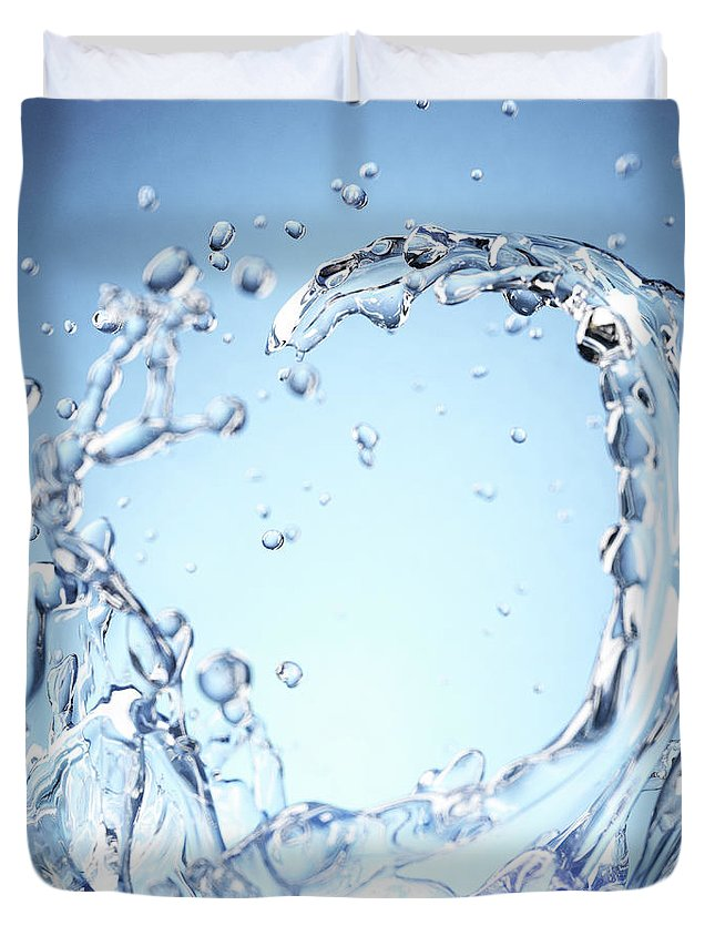 Motion Duvet Cover featuring the digital art Splash Of Water by Maciej Frolow
