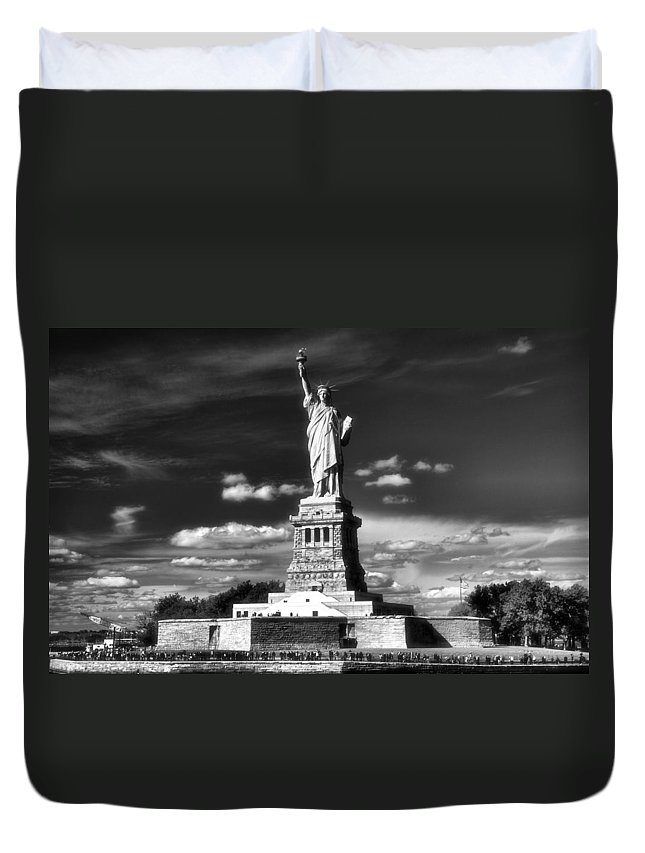 Statue Of Liberty Duvet Cover featuring the photograph Statue Of Liberty by Dan Sproul