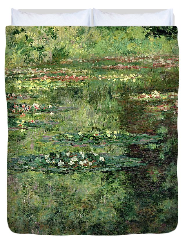 Etang Aux Nympheas Duvet Cover featuring the painting The Waterlily Pond by Claude Monet