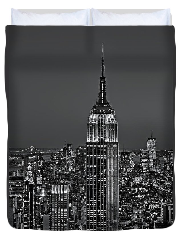 Aerial Duvet Cover featuring the photograph Top Of The Rock Bw by Susan Candelario