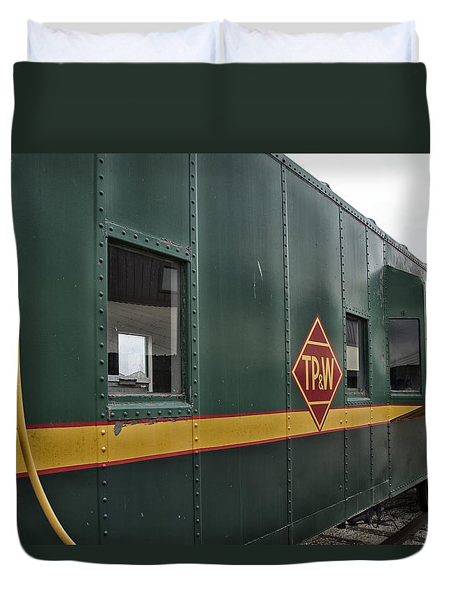 Tpw Duvet Cover featuring the photograph Tpw Rr Caboose Side View by Thomas Woolworth